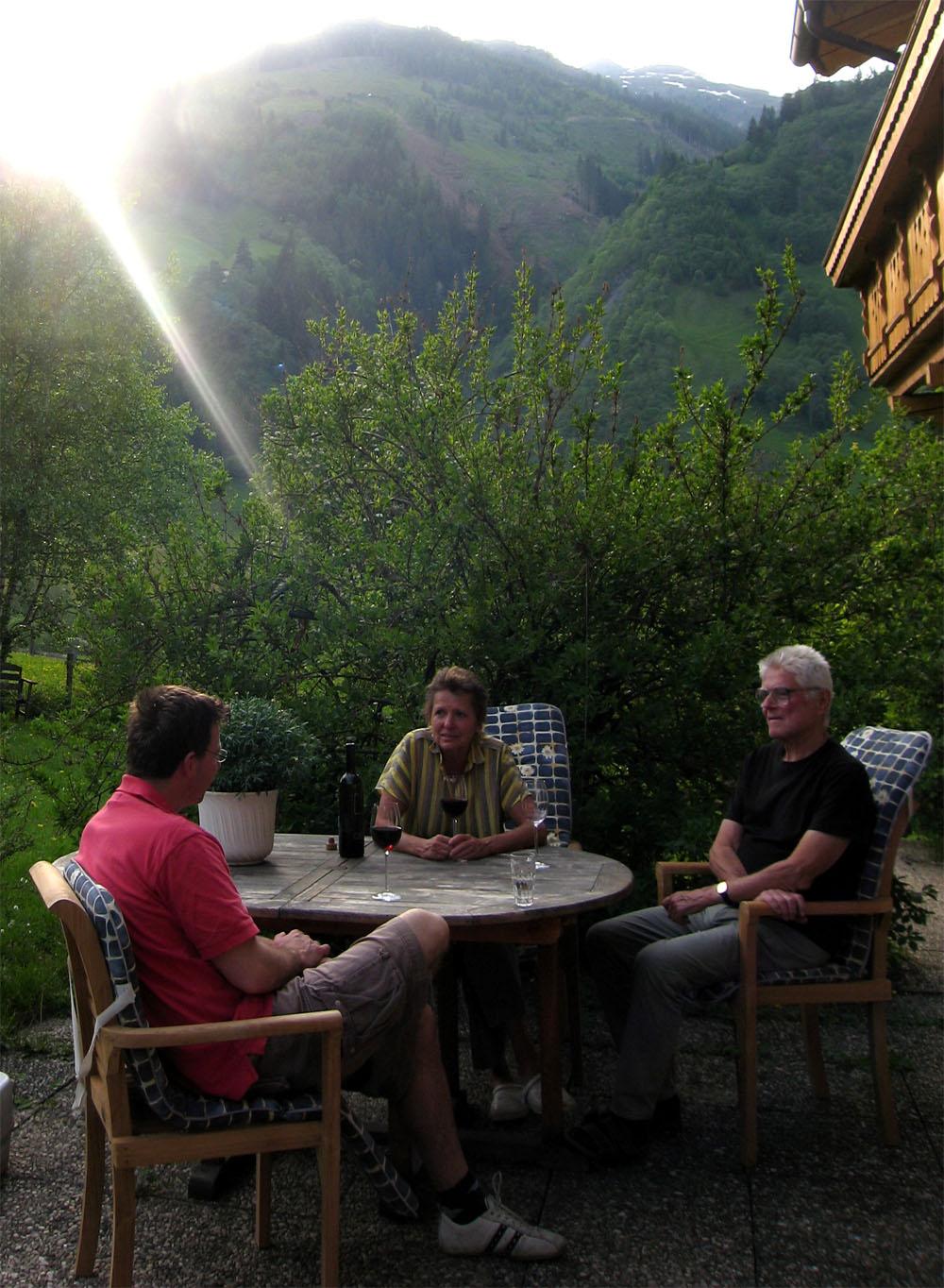 Op het terras bij de Berghut Rauris Oostenrijk