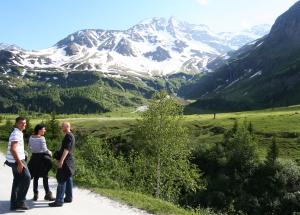 in de bergen de Berghut Rauris Oostenrijk wintersport wandelen